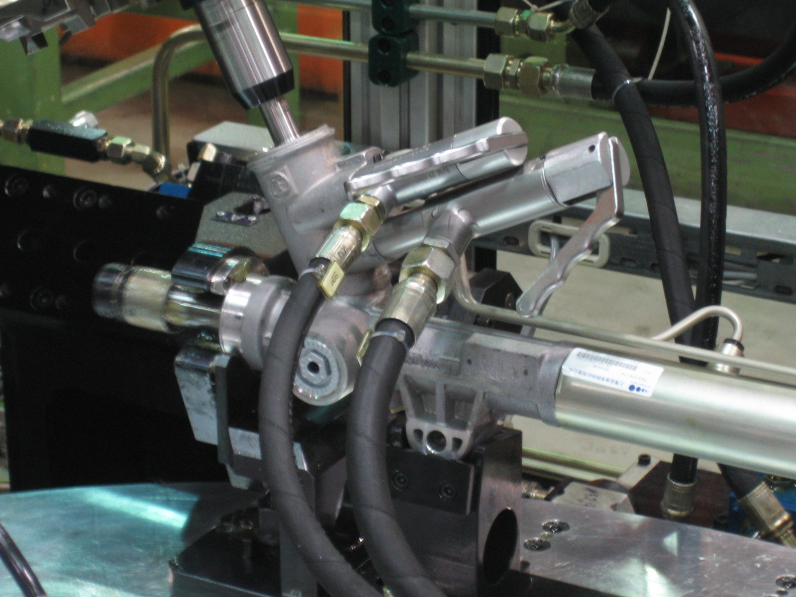 Pressure test of steering rack with quick coupling TW17H